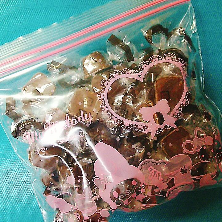 袋いっぱいのチョコ